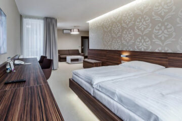 Hotel Morava, Otrokovice